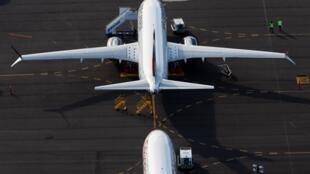 Des Boeing 737 MAX stationnés dans un parking du Boeing Field sur cette photo aérienne au-dessus de Seattle, dans l'État de Washington, le 11 juin 2020.