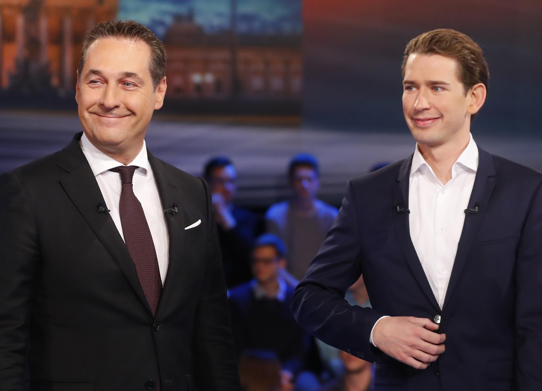 Heinz-Christian Strache (FPÖ, extrême droite) et Sebastian Kurz (ÖVP, droite), sur un plateau de télé à Vienne, le 12 octobre 2017.