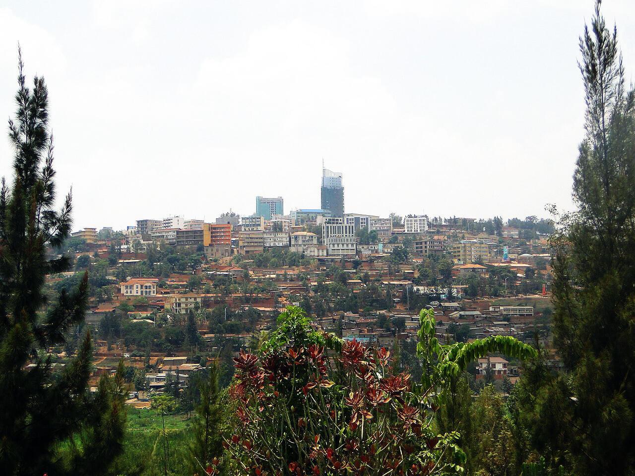 Cassien Ntamuhanga affirme avoir été enlevé par la police et emmené dans une maison de Gikondo, un quartier de Kigali, dans laquelle il dit avoir été torturé psychologiquement pendant une semaine.