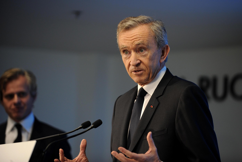 Bernard Arnault, proprietário do grupo de luxo LVMH, comemora os resultados
