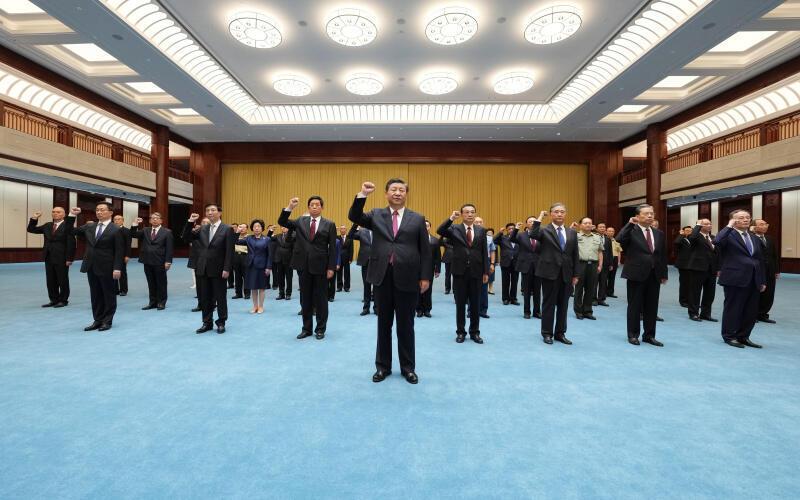 2021年6月18日,习近平率领中共常委等来到了新近落成的中国共产党历史展览馆,重温入党誓词。