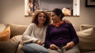 Halima Hamdane et sa fille Camélia Montaserre.
