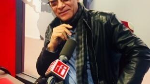L'écrivain Jean-François Samlong en studio à RFI (septembre 2019).
