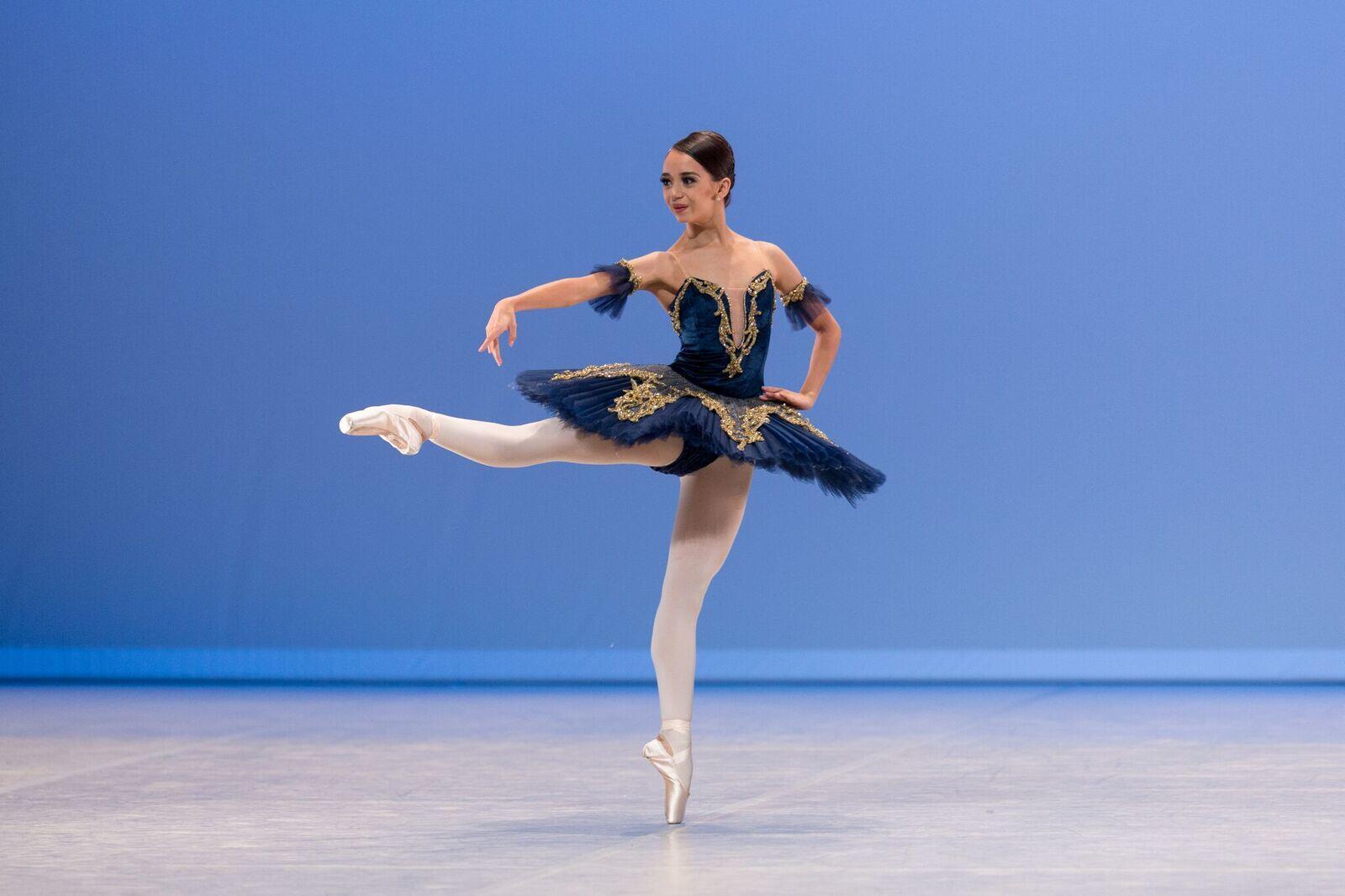 Carolyne Galvão, de Goiânia, vencedora de dois prêmios em Lausanne, Suíça.
