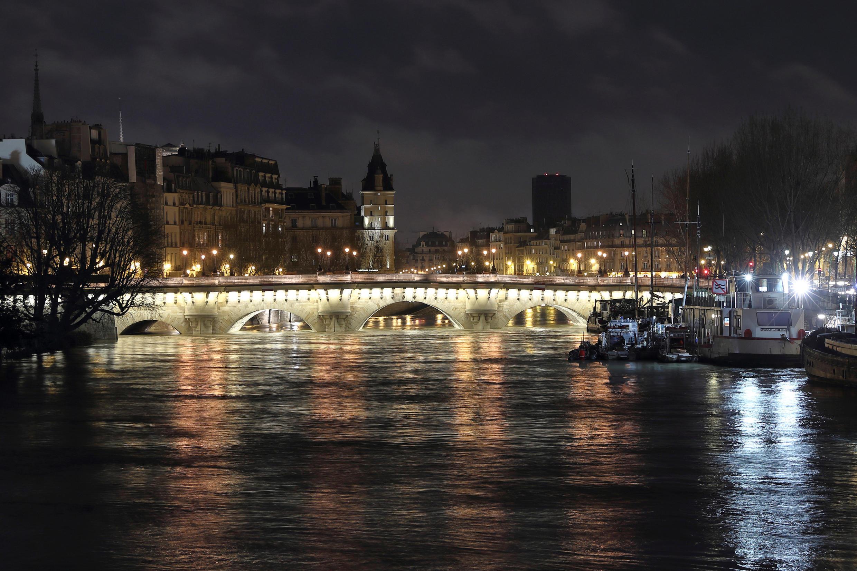 Если знаменитый «потоп» 1910 года в Париже повторится, город сможет вернуться к нормальному функционированию только через 4-5 лет.