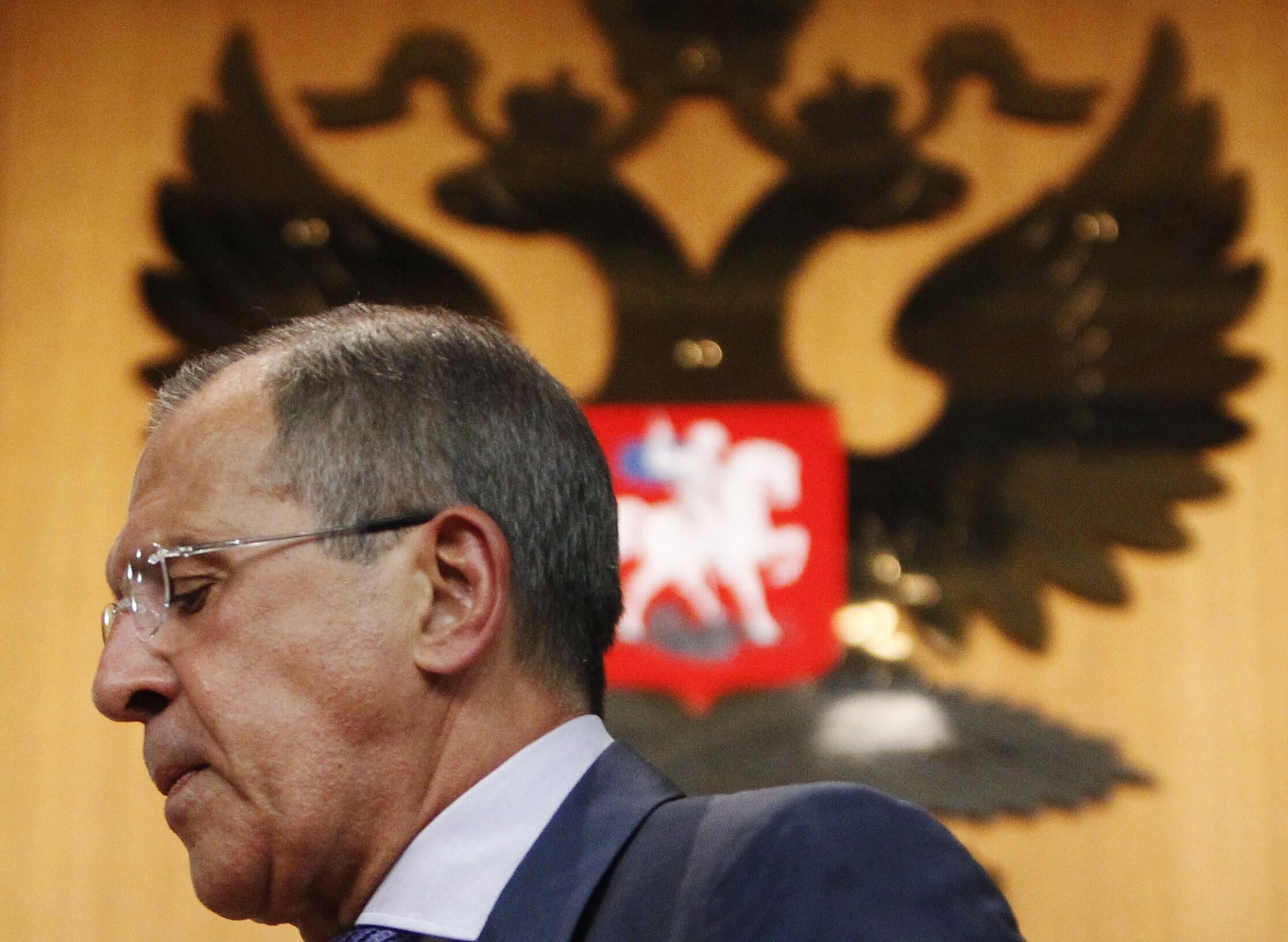 Ngoại trưởng Nga Sergei Lavrov nỗ lực thuyết phục nhưng vẫn không lay chuyển được các nước Tây phương - REUTERS