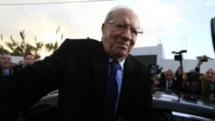 突尼斯首位民选总统埃塞卜西