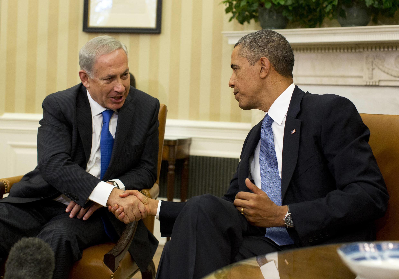 Le Premier ministre israélien Benjamin Netanyahu, reçu à la Maison Blanche par Barack Obama, a une nouvelle fois demandé le démantèlement du nucléaire iranien, le 30 septembre 2013.