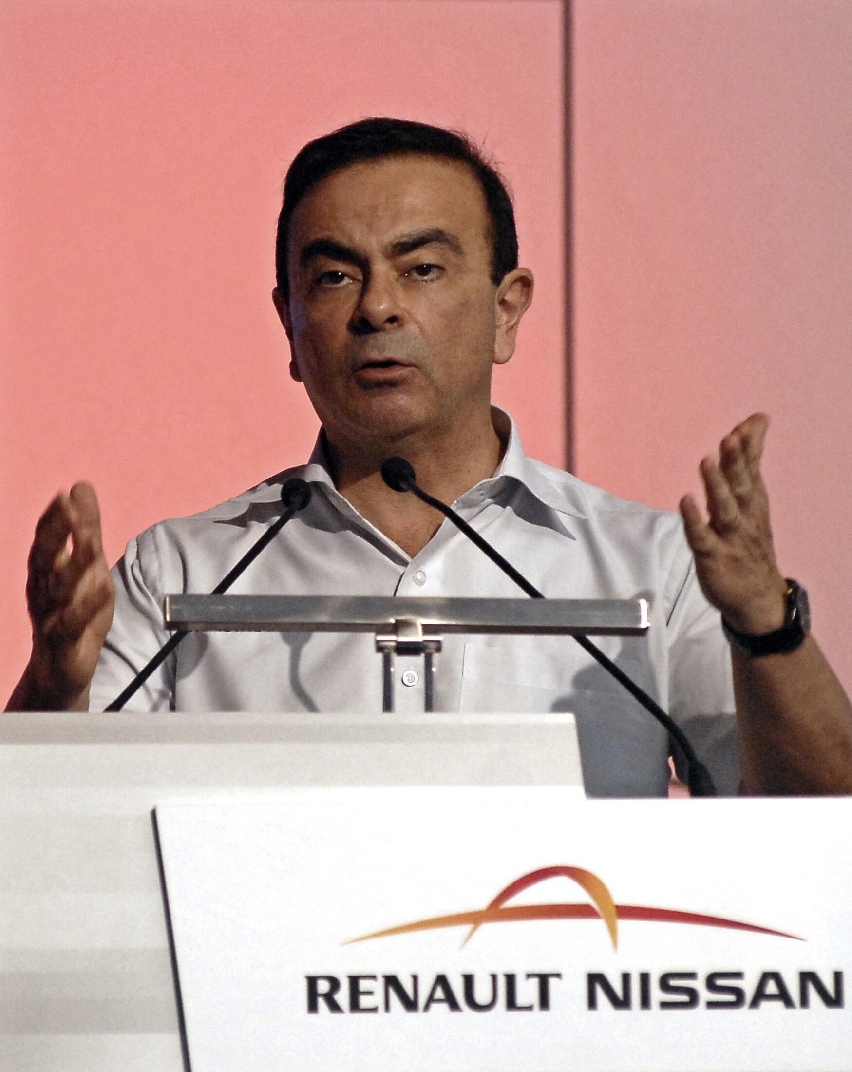 Partiu do presidente da Renault-Nissan, Carlos Ghosn, a iniciativa de formar uma aliança com a Daimler.