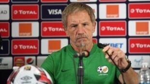 Le sélectionneur sud-africain Stuart Baxter avant le match face à l'Egypte à la CAN 2019.