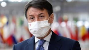 Le Premier ministre italien Giuseppe Conte (ici à Bruxelles le 16 octobre 2020) a dévoilé ce dimanche de nouvelles mesures pour lutter contre le virus.