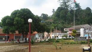 Centro da cidade de Trindade, em São Tomé e Príncipe