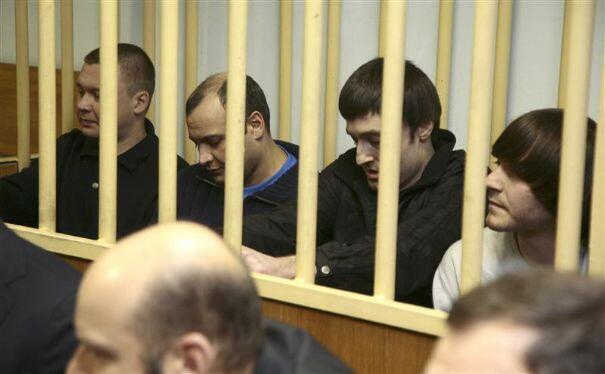 Четверо из обвиняемых по делу об убийстве Анны Политковской в зале суда 17/11/2012 (архив)