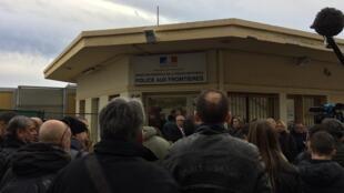 Le poste-frontière de Menton, le 13 février 2017, lors de la visite de Marine Le Pen.