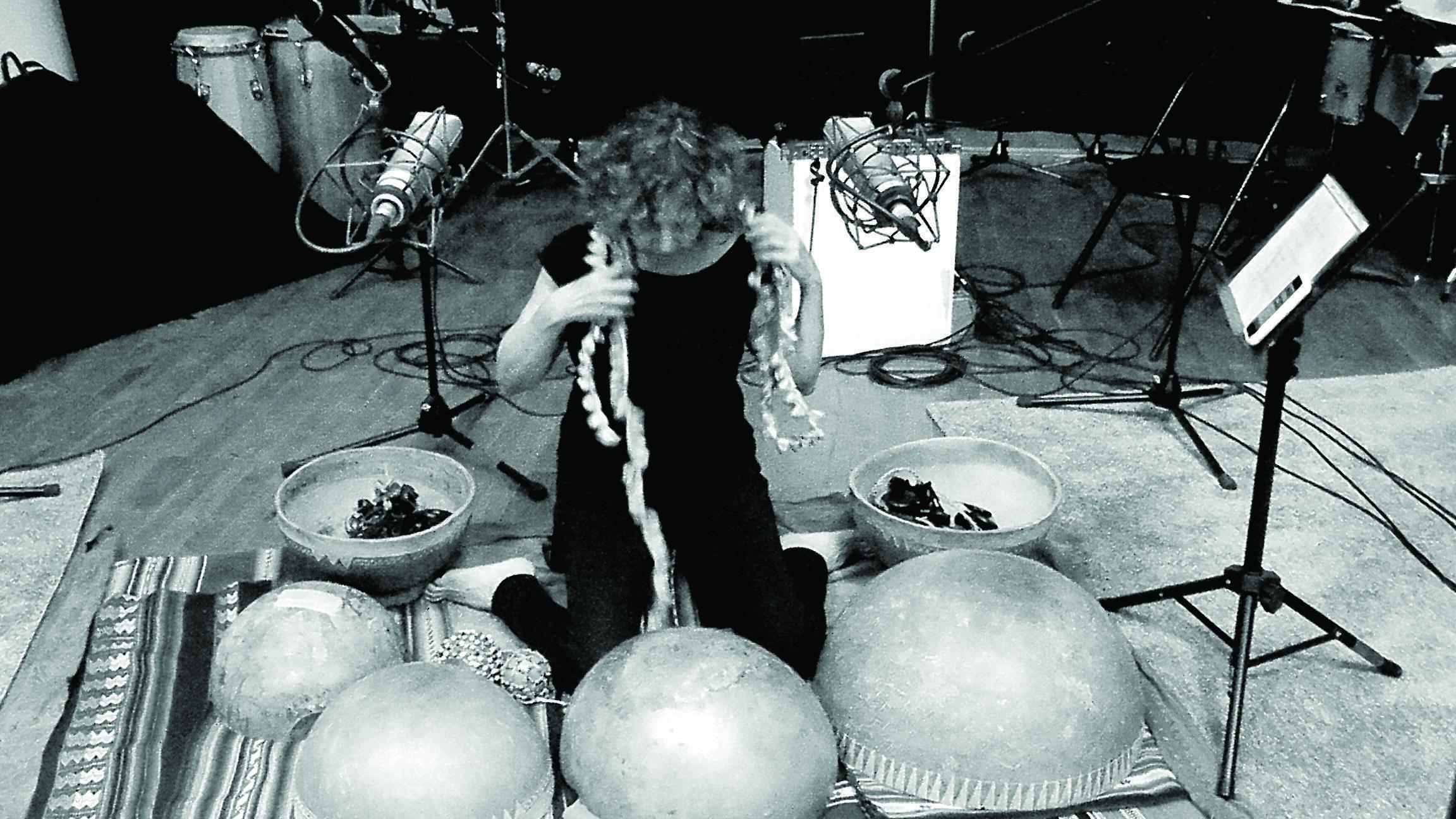 Mirtha Pozzi en una sesión de grabación del disco