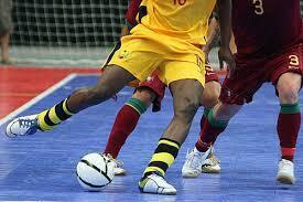 Dezoito equipas jogam futsal contra o racismo