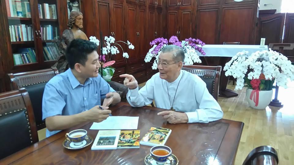Đức Hồng y Phạm Minh Mẫn trả lời thông tín viên Lê Hải tại TPHCM