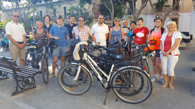 Une fois par mois le Bicycle Advocacy Group propose des itinéraires alternatifs pour circuler plus sereinement à vélo sur l'île