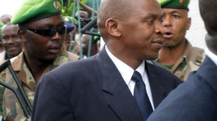 Agathon Rwasa (au centre), leader historique des FLN, en mai 2008.