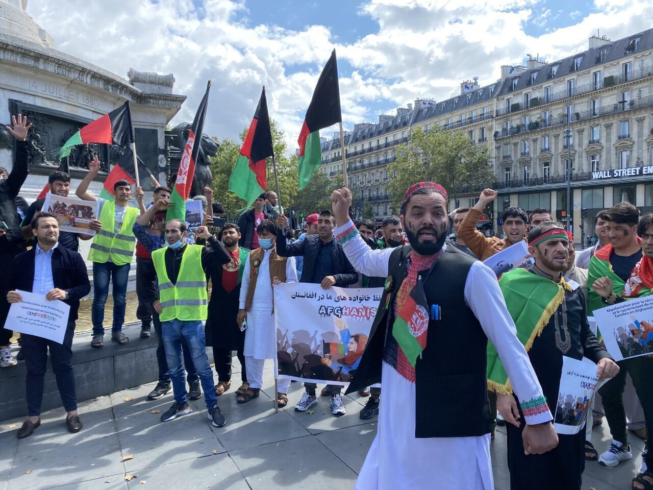 thumbnail_image0 Manifestation d'Afghans à Paris