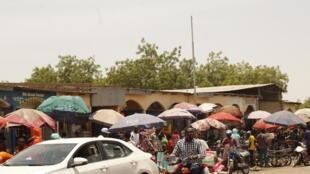 Tchad - Ndjamena - Rue - 000_98F8QX