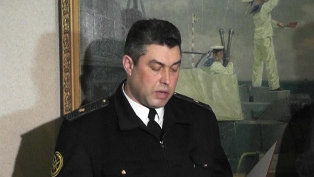 Đô đốc hải quân Ukraina Denis Berezovski xuất hiện trên truyền hình Nga và tuyên bố trung thành với chính quyền thân Nga, Crimée, 02/03/2014