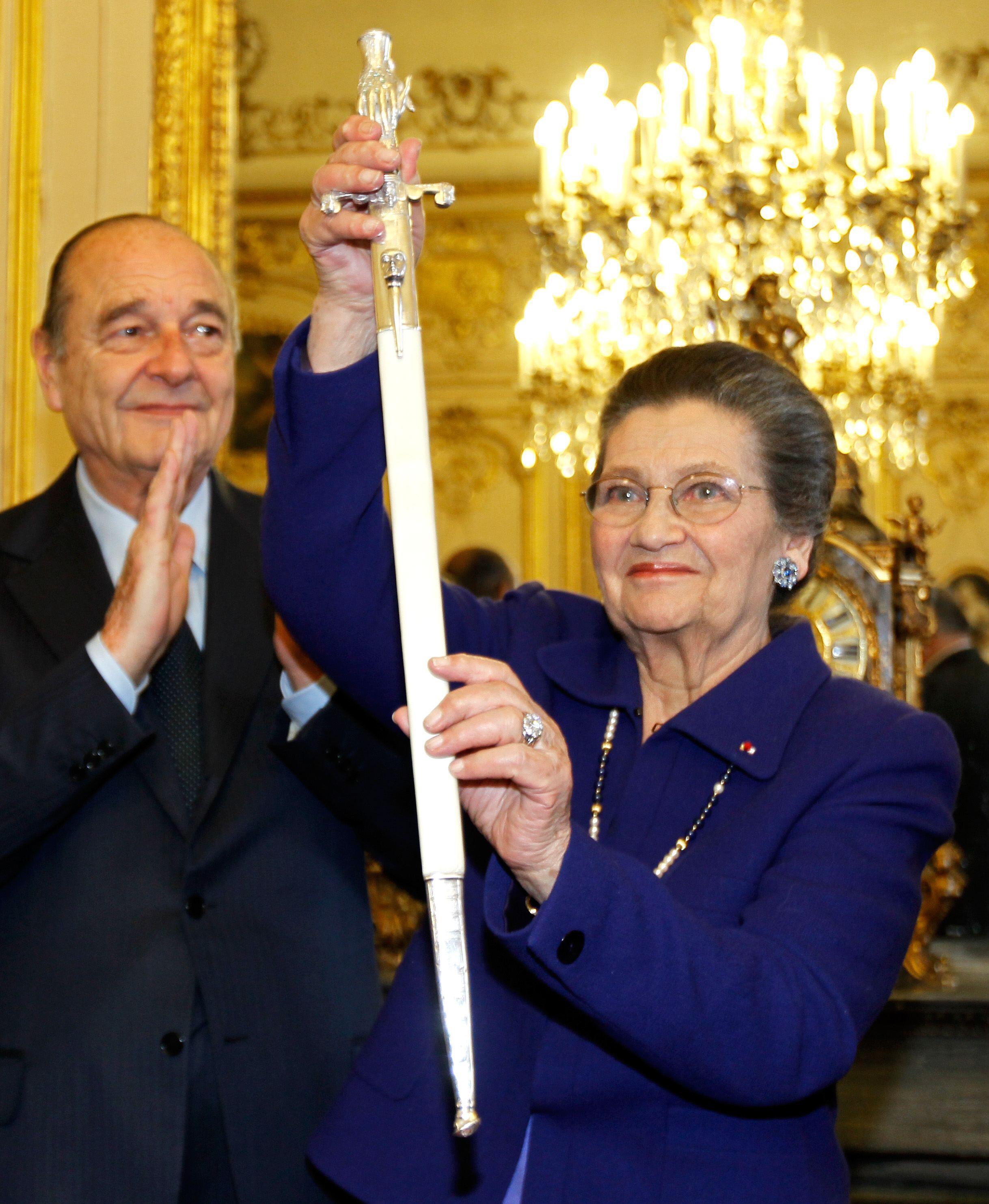 Simone Veil avec Jacques Chirac, lors de son entrée à l'Académie Française.