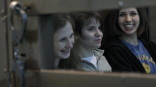 Ekaterina Samoutsevitch (centre) a demandé le renvoi du procès en appel, ce lundi 1er octobre à Moscou.