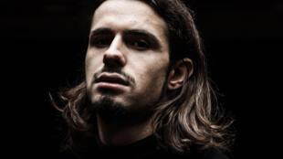 Lombre présente son EP La lumière noire label chez Ulysse Maison d'Artistes/Sony Music