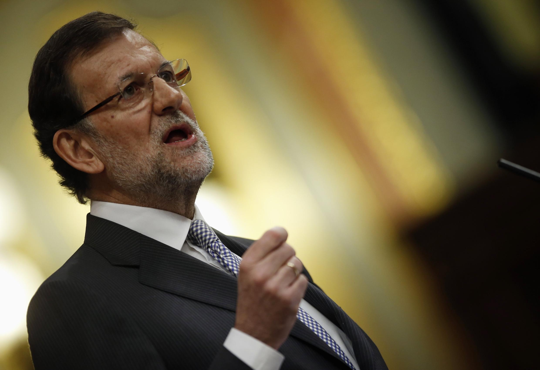 Primeiro-ministro Mariano Rajoy discursa diante de deputados espanhóis nesta quarta(20).