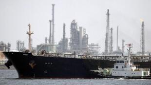 آمریکا به خریداران نفت شناور از ایران، درمورد مشکلات بیمۀ نفتکشها و کشتیهای ایرانی هشدار داد