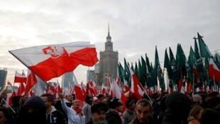 Selon la mairie de Varsovie, 50 000 nationalistes ont défilé dans les rues de la capitale polonaise, le 11 novembre 2019.