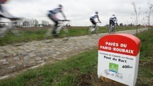 Le Paris-Roubaix reporté pour la 3ème fois en moins d'un an, un coup rude pour le peloton féminin !