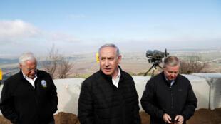 Sur les hauteurs du Golan, le 11 mars 2019, Benyamin Netanyahu, Premier ministre israélien avec le sénateur républicain Lindsey Graham et l'ambassadeur des Etats-Unis en Israël, David Friedman.