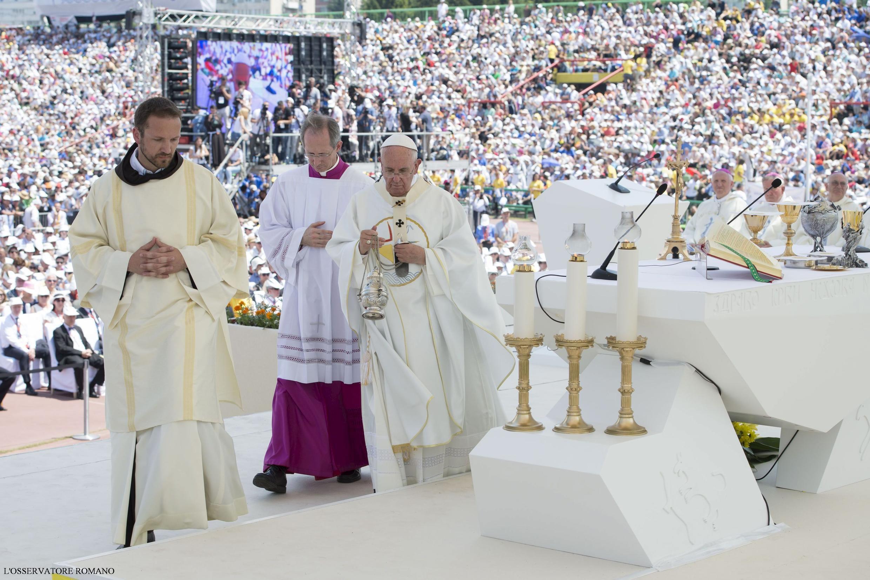 Le pape François a célébré une messe devant 65.000 fidèles rassemblés dans le stade olympique. Sarajevo, le 6 juin 2015.