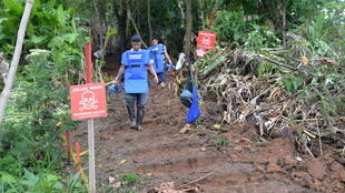 Handicap International is working with local people to clean the area of mines in Vista Hermosa village, Colombia.