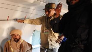 Saif al Islam, hijo de Kadafi, fue detenido en la noche del 18 al 19 de noviembre de 2011 en el sur de Libia.