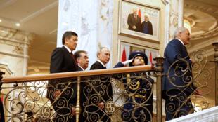 Участники саммита ОДКБ в Минске 30 ноября, 2017 г.
