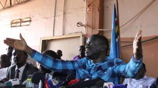 Kizza Besigye, mpinzani mkuu wa Museveni. (Picha iliyopigwa Julai 13, 2016).