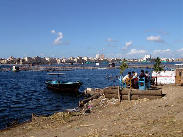 L'embouchure du Nil à Rosette. Comme Alexandrie, cette ville risque de disparaître sous la mer d'ici la fin du siècle.