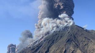 Le Stromboli est entré en éruption ce mercredi 3 juillet. Un randonneur a été tué.