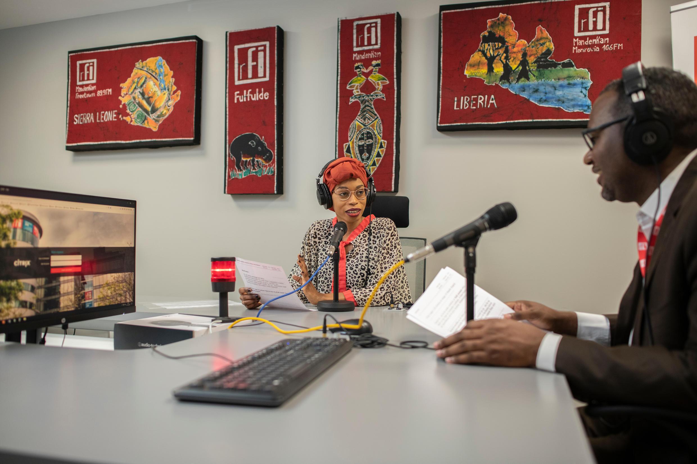 Boly Ba et Tidiane Barry, journalistes à la rédaction de RFI fulfulde.