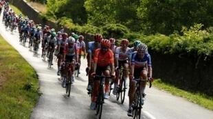 Sur la route de la dernière étape du Tour de France 2019 entre Rambouillet et les Champs-Élysées, dimanche 28 juillet.