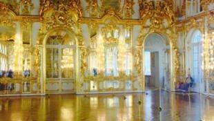 图为俄罗斯圣彼得堡叶卡捷琳娜宫一景