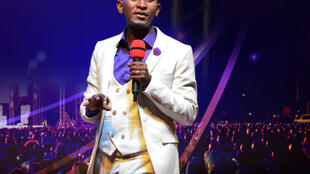 Le prophète ougandais Elvis Mbonye (capture d'écran).