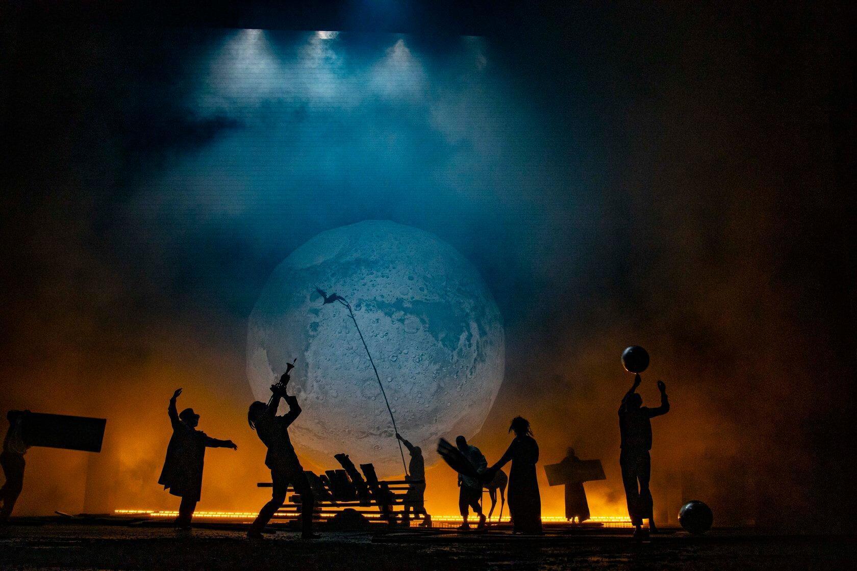 Сцена из «Короля Лира» в постановке Юрия Бутусова