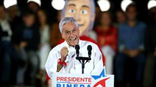 """""""Quiero ser el presidente de la unidad, de la clase media, de los niños y de los adultos mayores, de las regiones y del mundo rural"""", dijo Piñera, que lidera los sondeos con un 34,5%."""