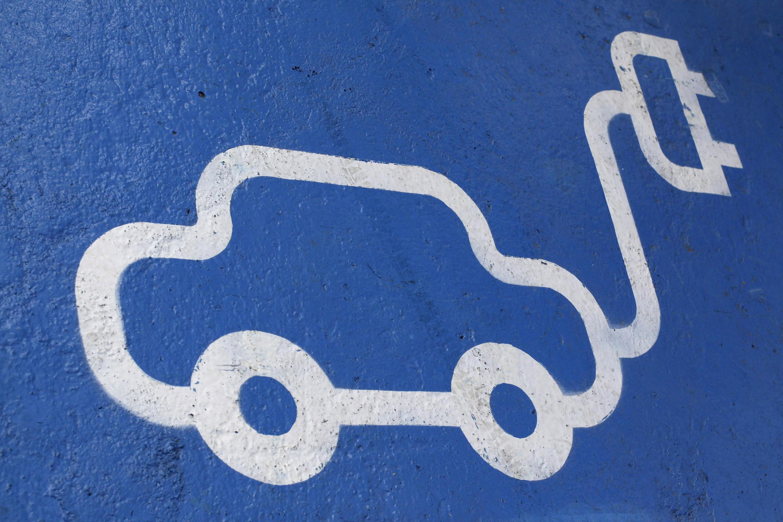 Tomando en cuenta las fuentes actuales de la producción de electricidad en Europa, ya es mejor para el planeta andar en un vehículo eléctrico que en un coche tradicional, según la Agencia Europea para el Medioambiente.