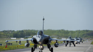 Les 4 rafales de l'armée de l'air française déployés à Malbork dans le nord de la Pologne, le 28 avril 2014.