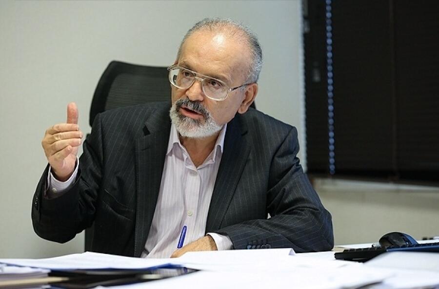 محمدحسین ادیب تحلیلگر اقتصادی در ایران